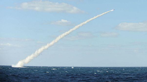 حمله موشکی زیردریایی روسیه به مواضع داعش در دیرالزور