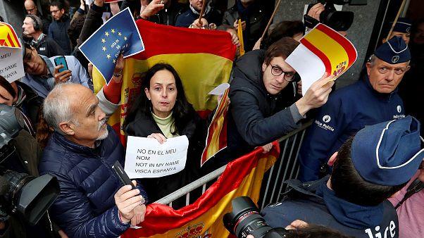 Puigdemont'a hem sevgi hem öfke gösterisi