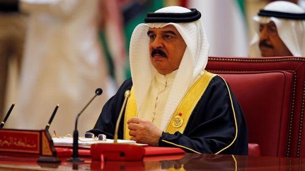البحرين تفرض تأشيرات دخول على المواطنين والمقيمين القطريين