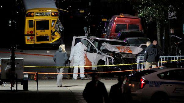 """مقتل 8 أشخاص في هجوم """"إرهابي"""" بنيويورك وترامب يشير إلى داعش"""