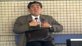 Una compañía japonesa da 6 días más de vacaciones a sus empleados no fumadores