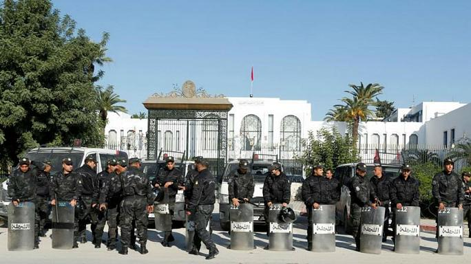 هجوم بسكين قرب البرلمان التونسي