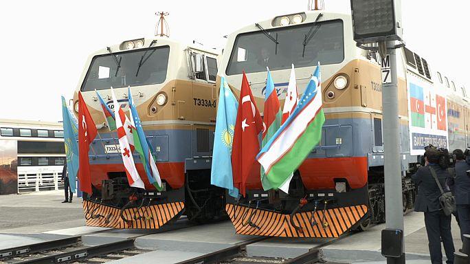 افتتاح سكة حديد باكو - تبليسي - قارص
