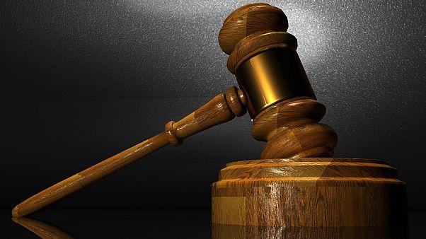 Bírósági ítélet kötelezte rá, hogy 144 bókot írjon az exéről