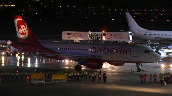 """I dipendenti di Eurowings ai colleghi di Air Berlin: """"Attenti"""""""