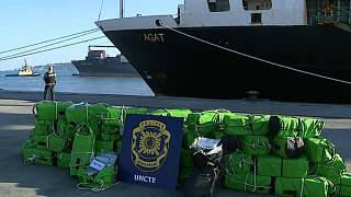 A ship carrying over one tonne of cocaine has been seized by Portugal police
