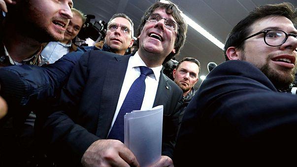 Prison requise contre huit membres du gouvernement catalan destitué