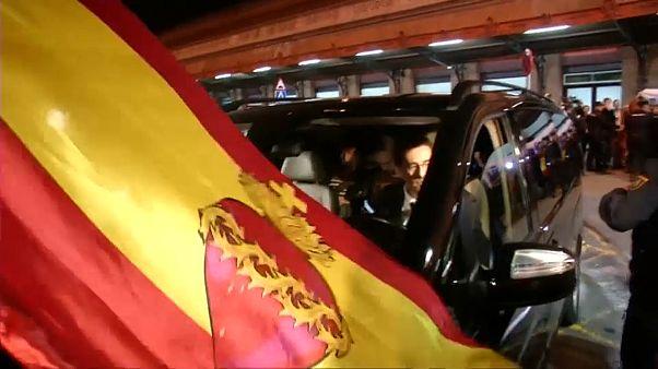 La recepción a los miembros de la Mesa del Parlament en Madrid divide a las redes sociales