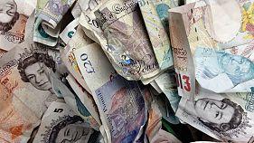 Банк Англии - впервые за 10 лет - поднял кредитную ставку с 0,25 до 0,5 %,