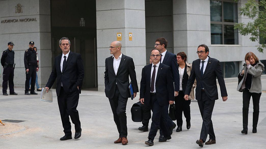 Juíza impõe prisão preventiva a oito ex-governantes da Catalunha