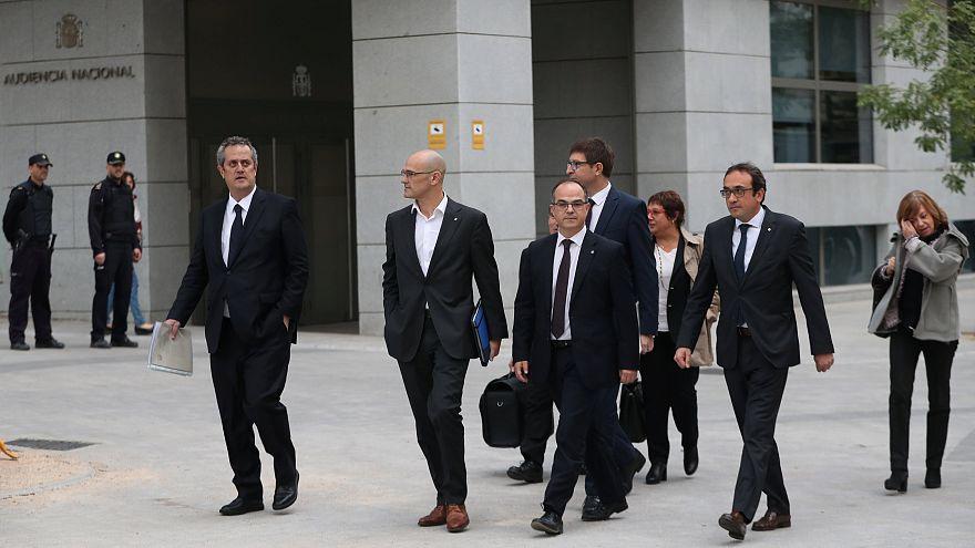Huit ministres catalans en prison