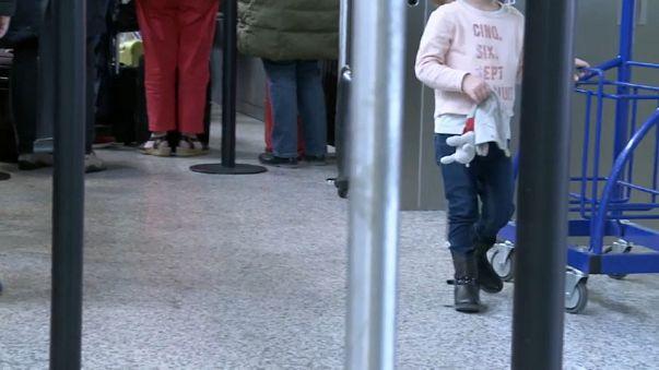 Menina de 7 anos ludibria segurança do aeroporto de Genebra