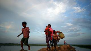 Rohingya Muslims continue to flee Myanmar