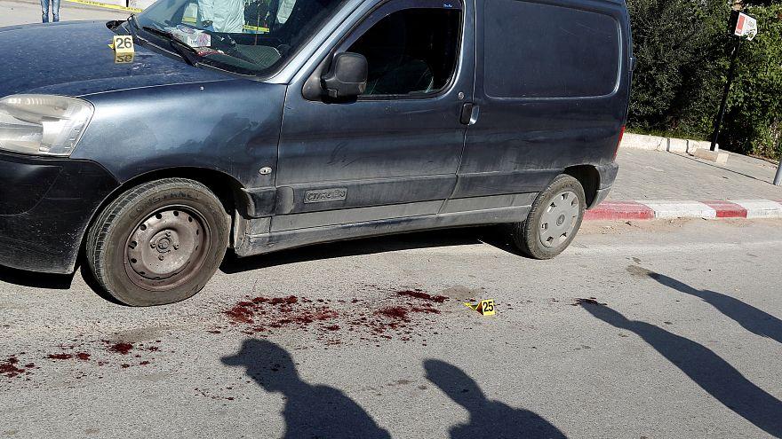 تونس: وفاة أحد الشرطيين المصابين في حادث الطعن