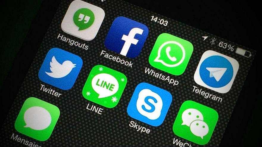 واتس آپ و تلگرام موقتا در افغانستان مسدود شدند