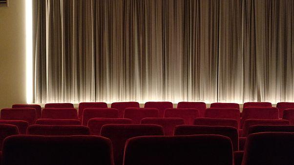 German moviegoers leave cinema in tears after pepper spray mishap