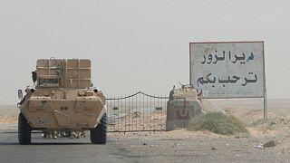 الجيش السوري وحلفاؤه ينتزعون مدينة دير الزور بشكل كامل من قبضة تنظيم الدولة الإسلامية.