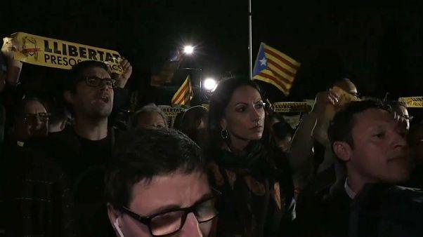 """Protestas ante el Parlamento de Cataluña para exigir la liberación de los """"presos políticos"""""""