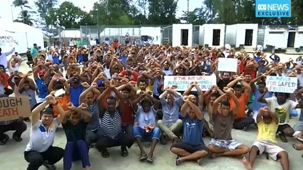 New Zealand offer to take 150 refugees from Papua New Guinea camp