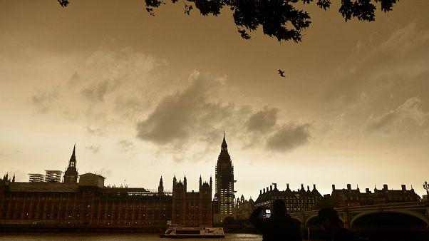 Sexuelle Belästigung und unangemessene Annäherungsversuche werfen Schatten auf Westminster