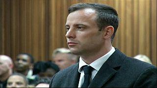 Oscar Pistorius arrisca 15 anos de prisão pelo homicídio da namorada
