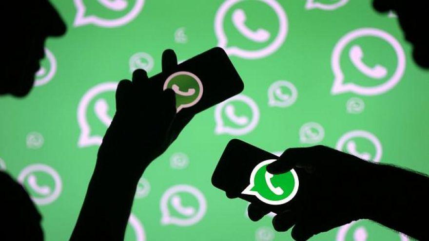 """إنهيار """"واتساب"""" نصف ساعة يشعل مواقع التواصل الاجتماعي"""