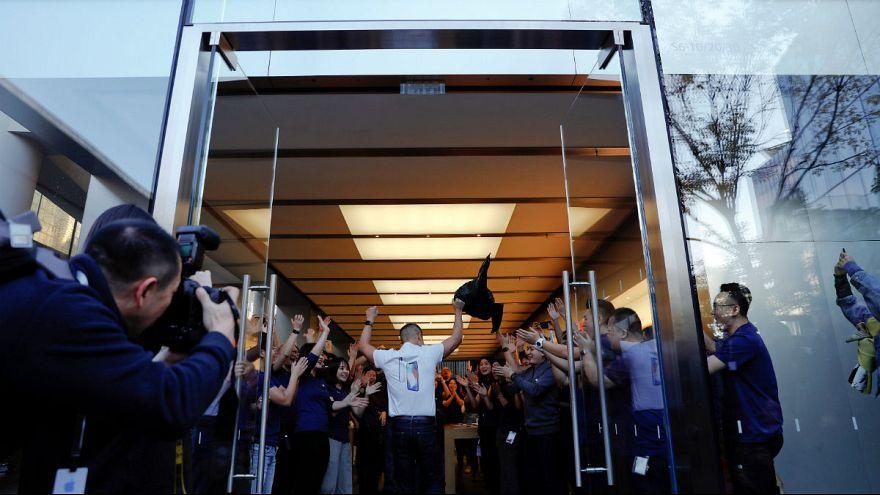 Schlange stehen fürs neue iPhone X