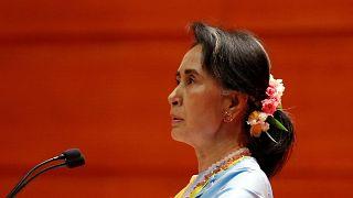 اونغ سان سو كي تعلق على إمكانية فرض عقوبات أمريكية على جيش ميانمار