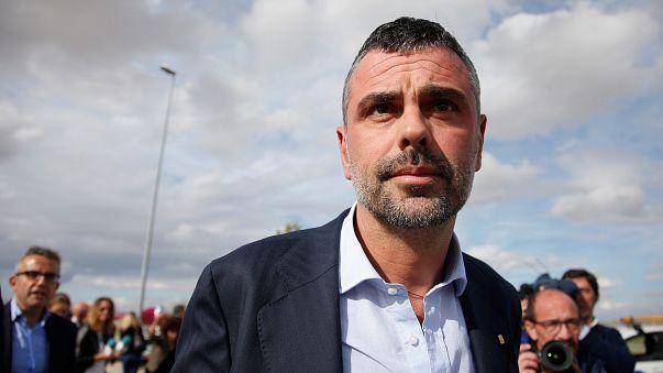 Ex-conselheiro catalão Santi Vila paga 50 mil euros e deixa a prisão