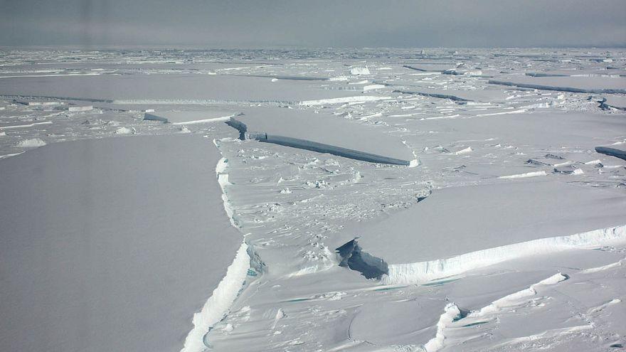 Ισχυροί άνεμοι και θερμά νερά απειλούν την Ανταρκτική (ΒΙΝΤΕΟ)