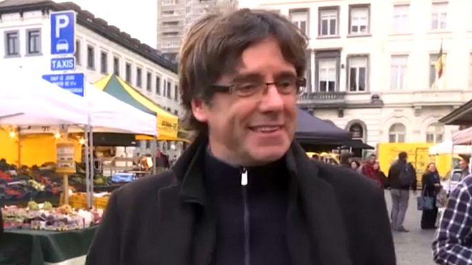 Экс-глава Каталонии Пучдемон пока остается в Брюсселе