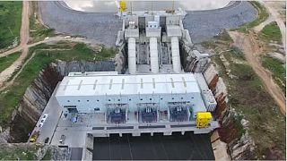 La Côte d'Ivoire augmente sa production d'électricité avec une nouvelle centrale hydroélectrique