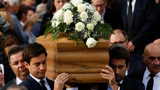 Milhares de pessoas no funeral da jornalista maltesa assassinada