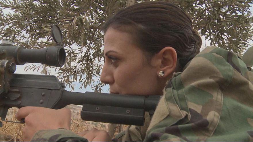Schlachtfeld statt Uni: Die syrische Scharfschützin Roaeda