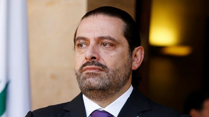 Dimite Saad Hariri, asegurando temer por su vida