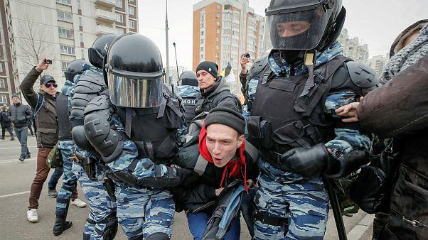 Polícia faz detenções em marcha nacionalista