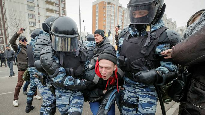 Decenas de manifestantes ultranacionalistas detenidos en Moscú