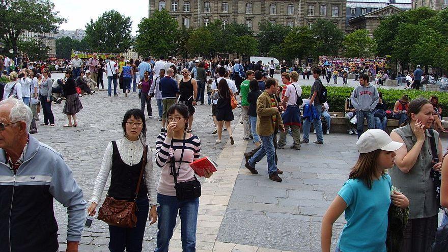 4.000 €  Beute: Überfall auf Touristengruppe aus China bei Paris