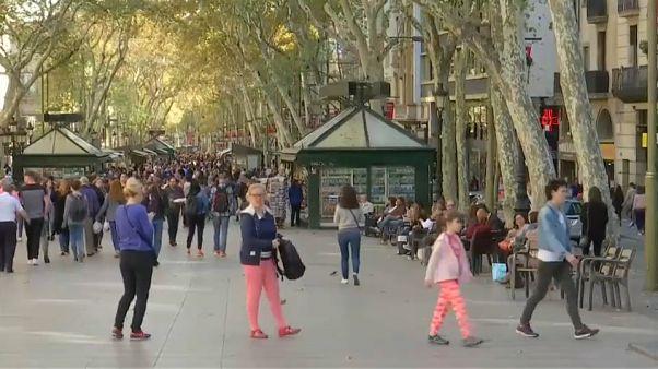 Apoyo a Puigdemont y cautela en las calles de Barcelona