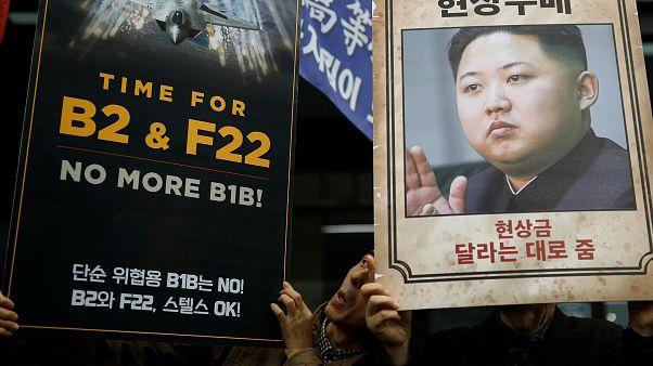 Vor Trump-Besuch in Südkorea: Sanktionen und Protest