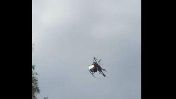 Drón zuhant a tömegbe Japánban