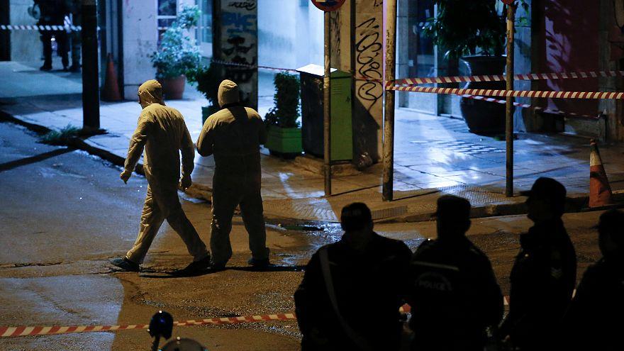 Με το καλάσνικοφ-σφραγίδα της «Επαναστατικής Αυτοάμυνας» η επίθεση στα γραφεία του ΠΑΣΟΚ