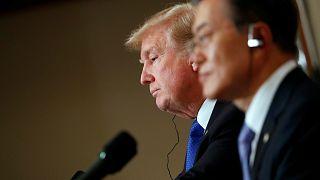 Trump Güney Kore'de: Savaş uçaklarımız ve denizaltılar ateş etme pozisyonunda