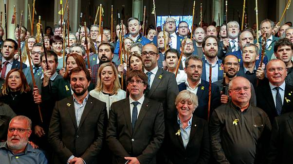 Catalan mayors take fight for independence to Brussels