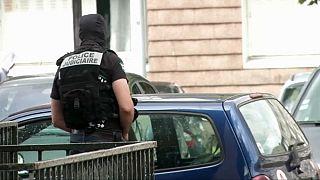 عملیات ضدتروریستی در فرانسه و سوئیس؛ بازداشت اعضای گروه تلگرامی