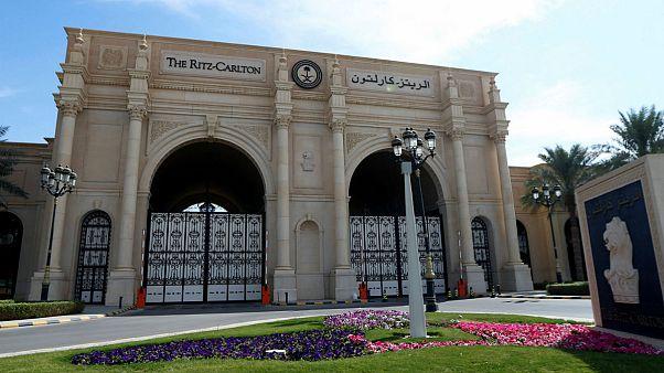 """بالفيديو: مركز احتجاز 5 نجوم للأمراء السعوديين في فندق """"ريتز"""""""