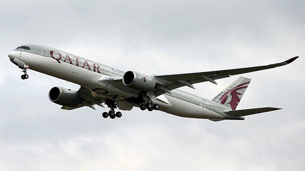 خيانة زوجية تدفع طائرة قطرية للهبوط اضطراريا