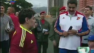 Együtt rúgta a bőrt Maradona és Maduro