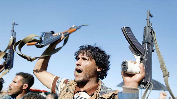 الحوثيون يتوعدون بضرب موانئ والسعودية والإمارات