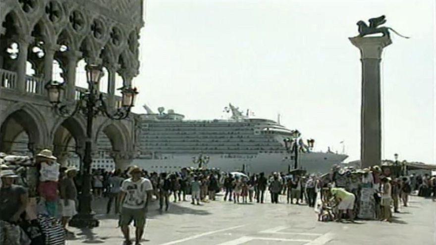 Venezia: Stop a Grandi Navi a San Marco
